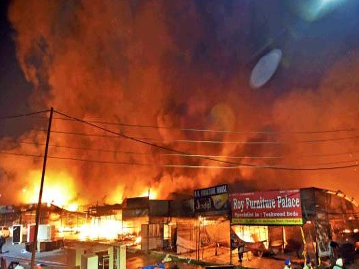 Fire Razes 30 Shops In Sector 53 Furniture Market Chandigarh News