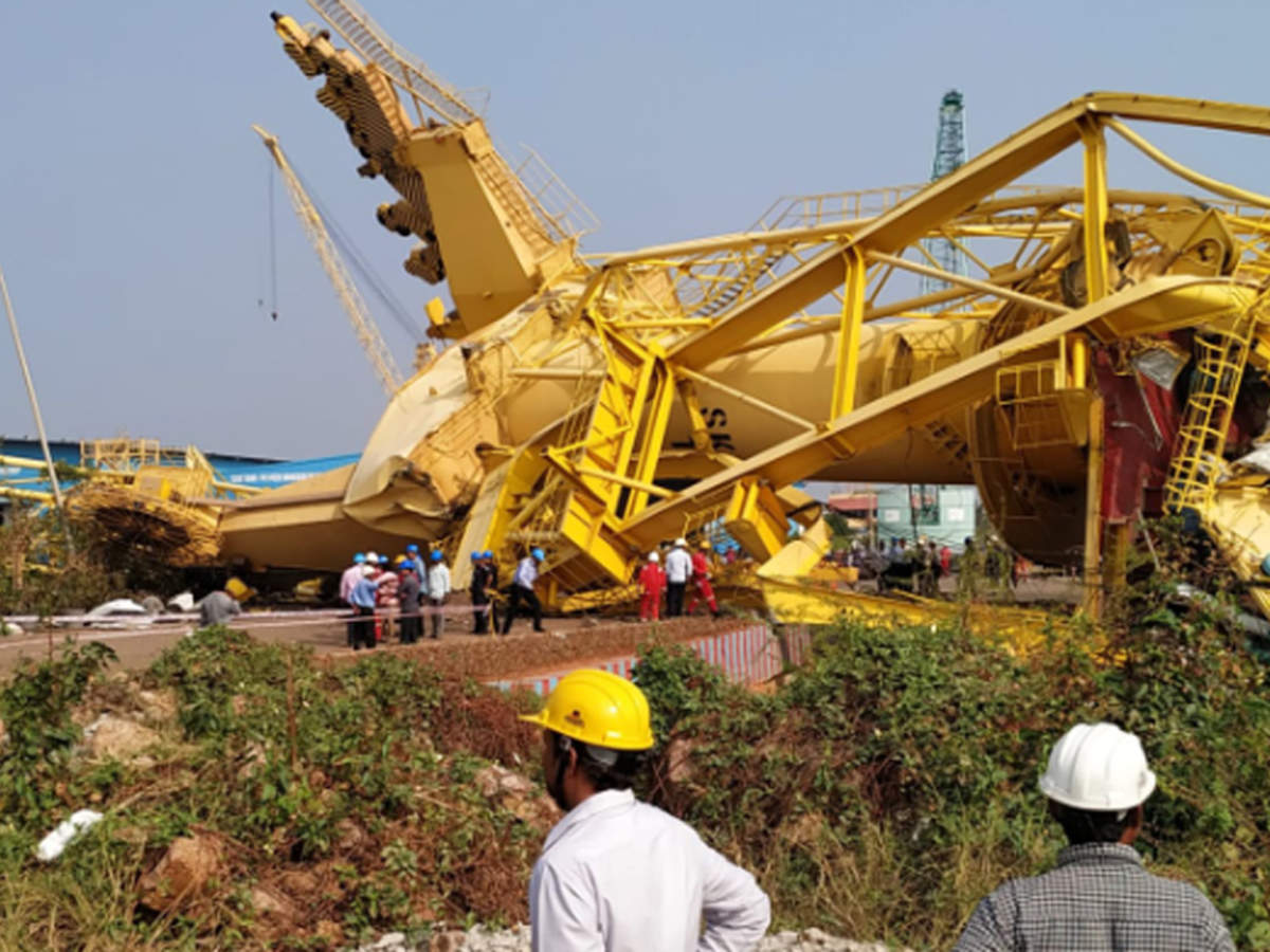 One killed, six injured after cranes collapse at Kakinada Sea Port