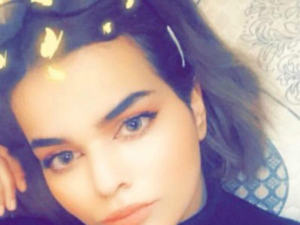 Saudi Arabia girl held in Bangkok, fears death if