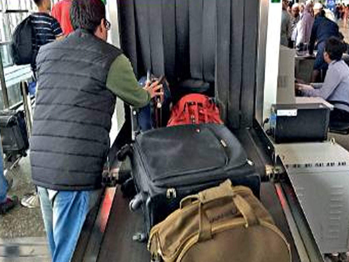 Wait gets longer for new baggage scanner at airport | Kolkata News