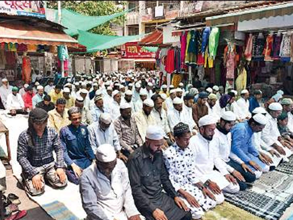 Bhopal: Hindus offer shops, space in Chowk to Muslims for namaz