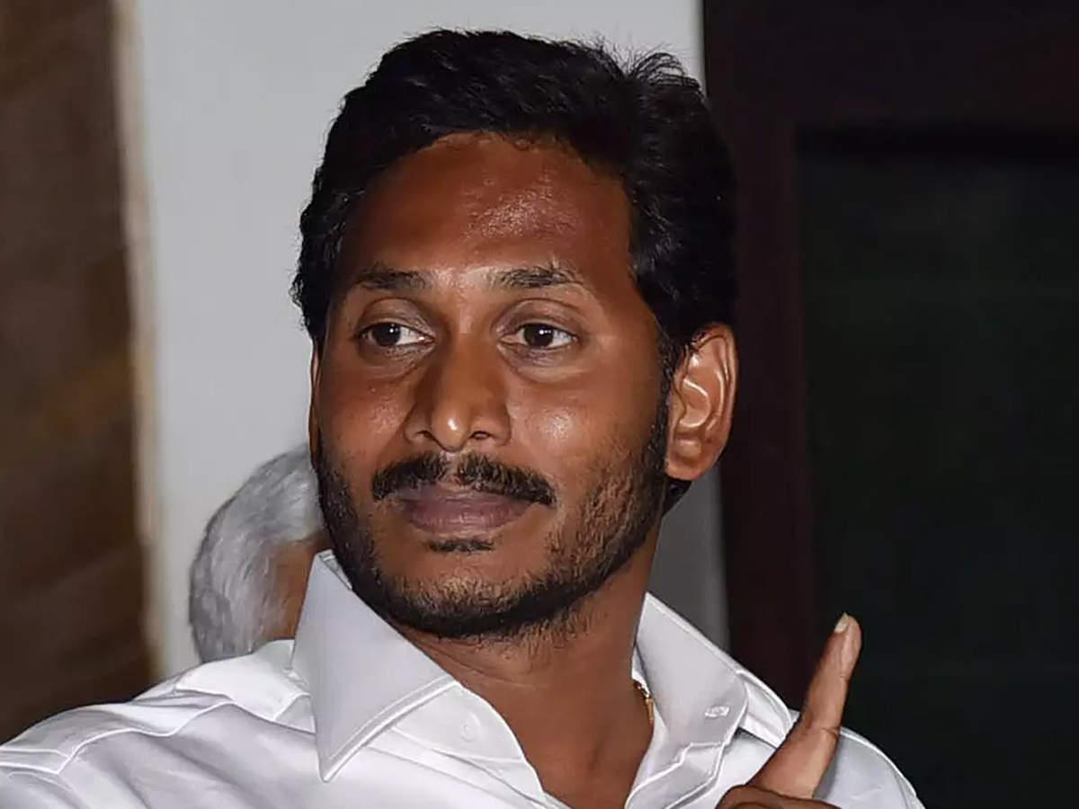 Telangana government staff want KCR to do a Jaganmohan Reddy