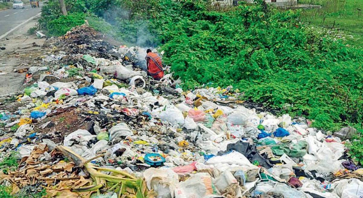 Public can complain about waste dumping via WhatsApp   Kozhikode