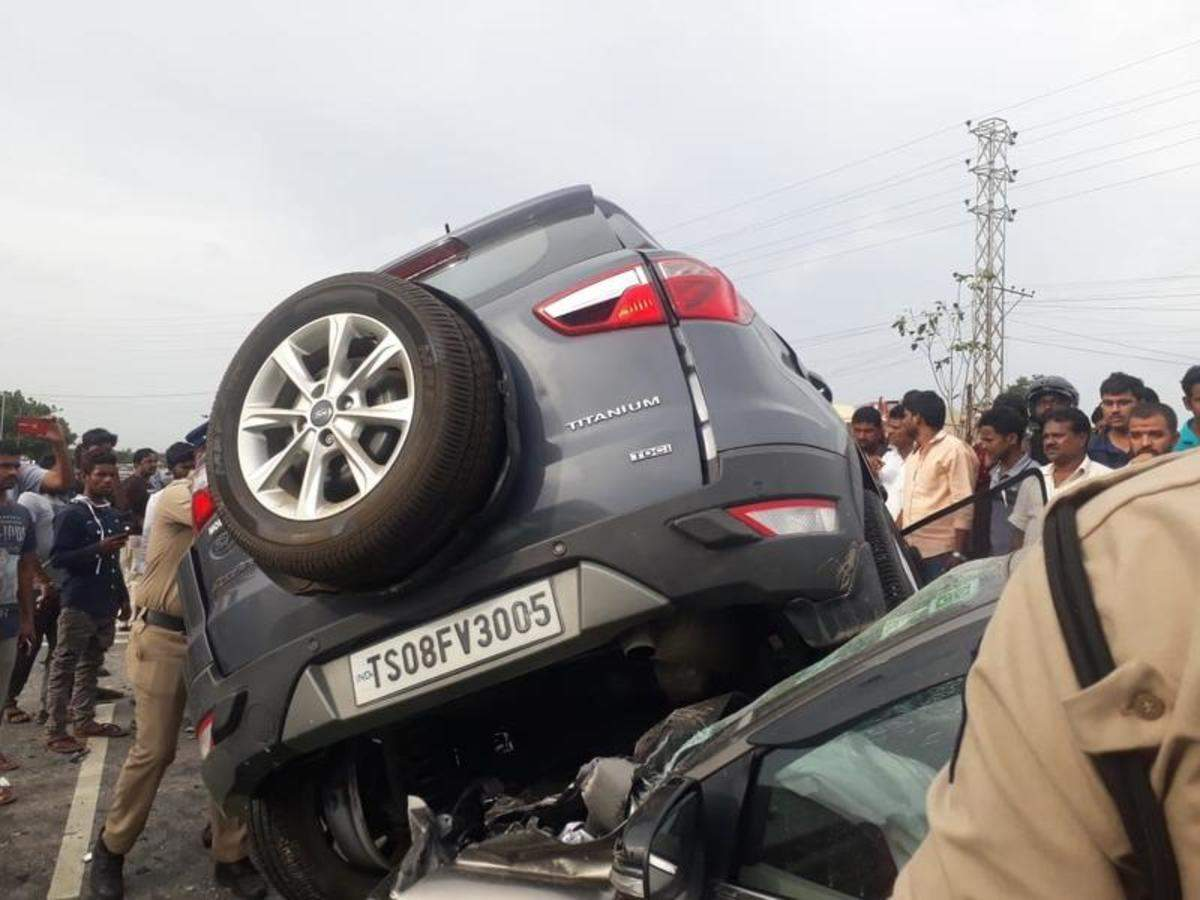 Image result for Three people were killed in a road accident in  another vehicle in Telangana cctv