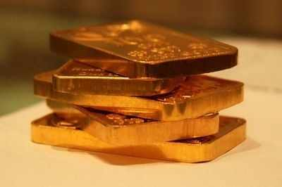 How much gold can I bring to India from Dubai? - Times of India