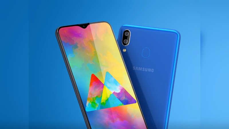 Display: At 6.3-inch screen, Samsung Galaxy M20 has the biggest display