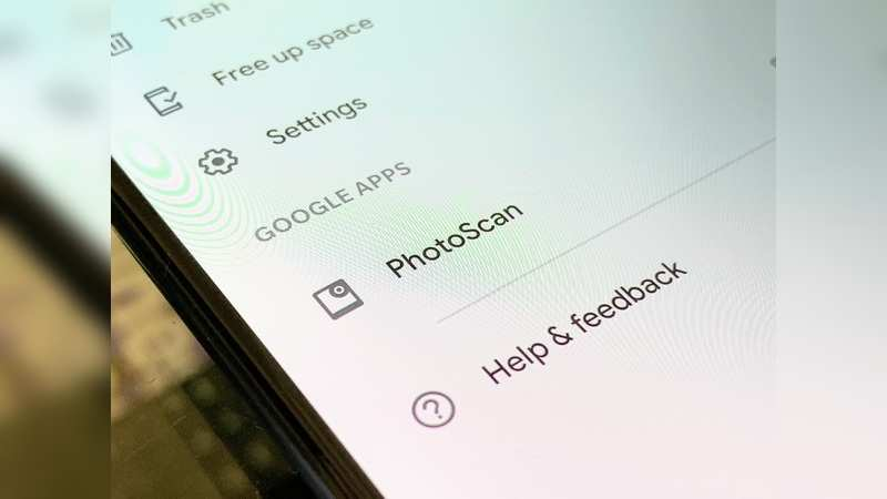 Scan your old photos to make a digital version from Google Photos