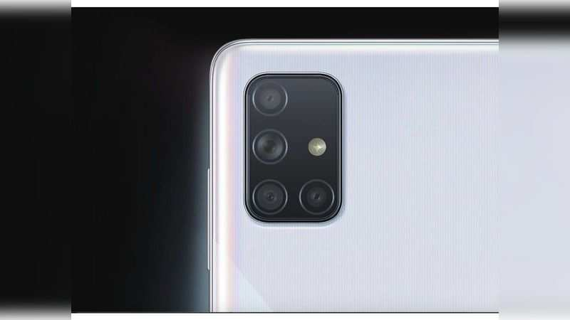 Rear camera: Both Samsung Galaxy A71 and Realme X2 Pro come with 64MP quad-rear camera setup