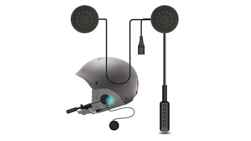 Skypearl motorcycle Bluetooth headset with dual stereo speakers is selling at Rs 1,400 with a discount of 47%