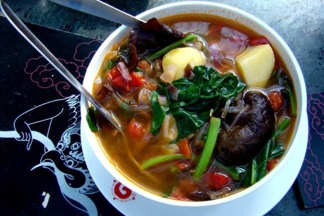 Glass noodles soup with black mushrooms