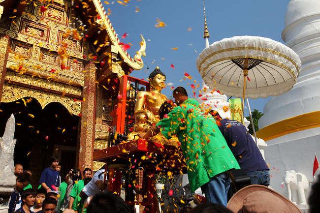 Decorating Buddha statue