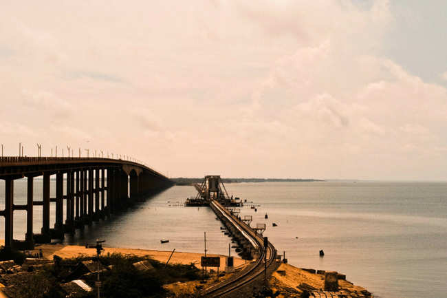 Godavari Arch Bridge, Rajahmundry - Stunning Indian bridges