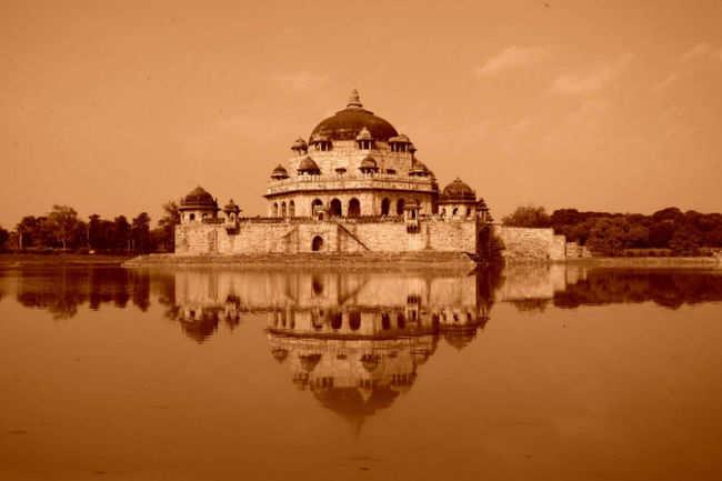 Tomb of Sher Shah Suri Sasaram