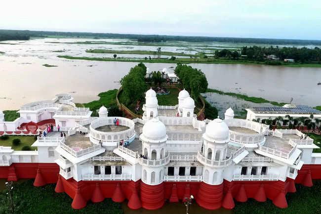 Neer Mahal, Tripura