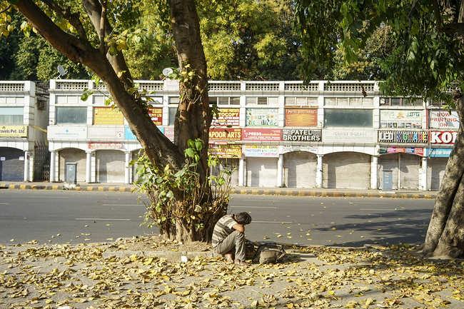 Janpath turns desolate
