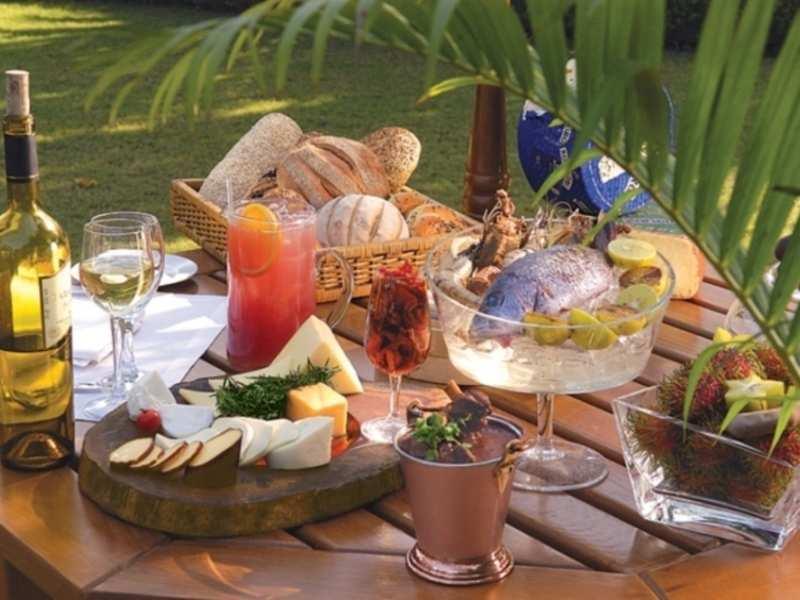 The Claridges Garden Delhi Get The Claridges Garden Restaurant Reviews On Times Of India Travel