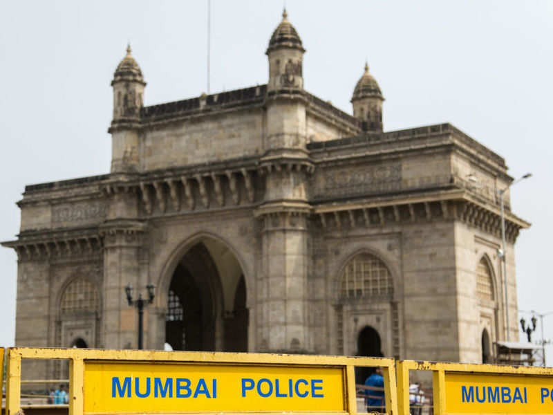 Mumbai Police bans group tours; pubs, dance bars shut till March 31; Pune records max number of COVID-19 cases, Maharashtra