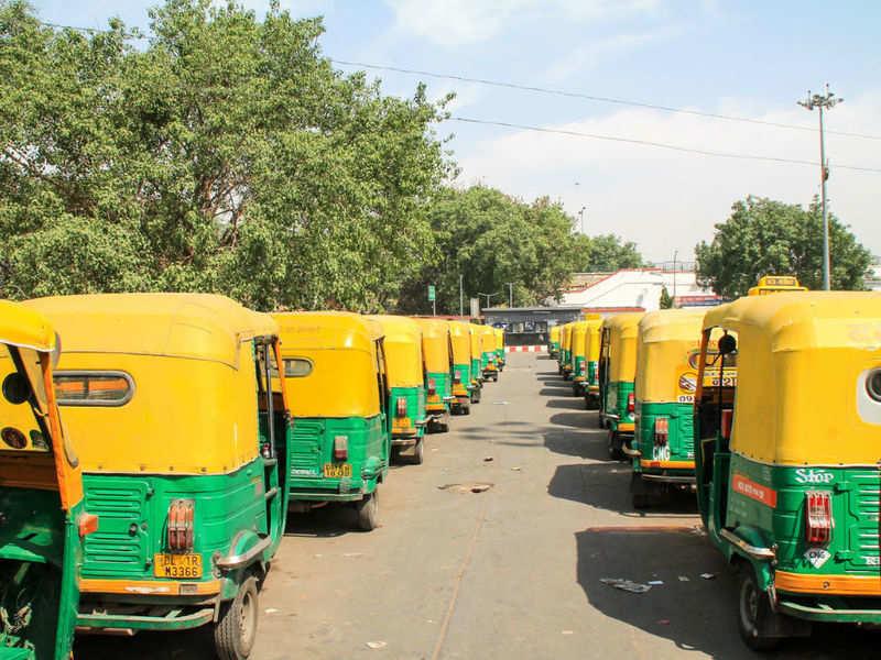 Auto drivers in Bengaluru turn into delivery boys amid COVID-19 shutdown, Bangalore