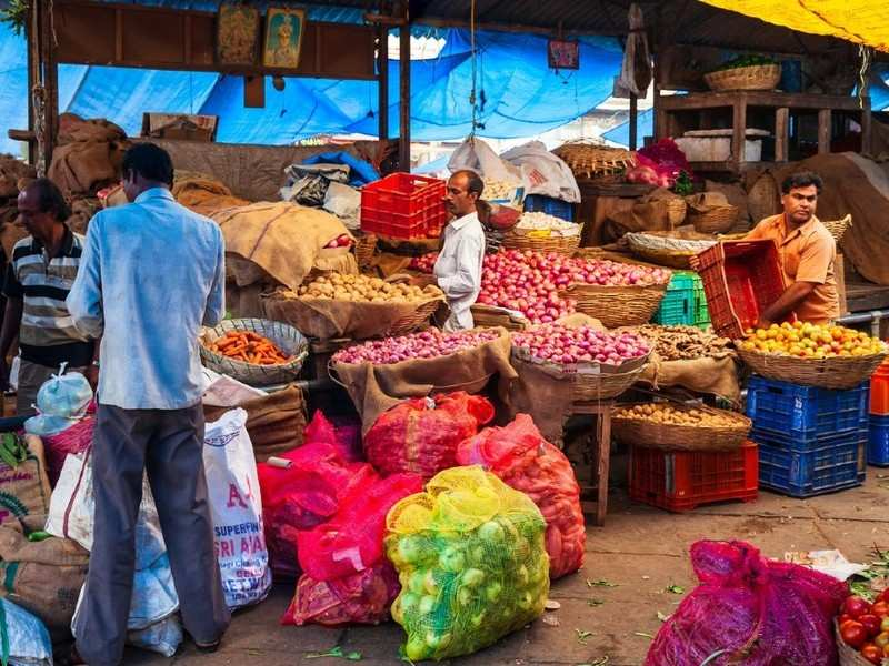 Dadar's famous vegetable market temporarily shifted to new places, Mumbai